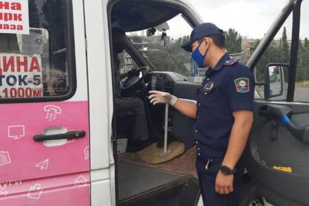 Сотрудники патрульной милиции предупредили водителей маршруток №234 о том, что нельзя повышать цену на проезд