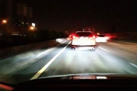 Машина впереди резко затормозила