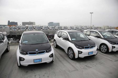 Американские полицейские избавляются от служебных BMW i3