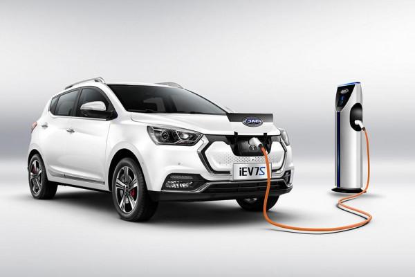 Электромобиль казахстанской сборки презентовали в России