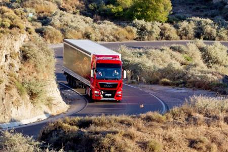 Скорость движения грузовых автомобилей в 2021 году