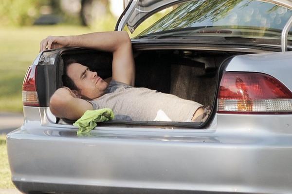 Багажнике жүргүнчүнү отургузуп ташыса болобу?